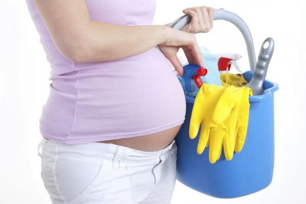 Làm việc nhà, bà bầu nên kiêng gì?