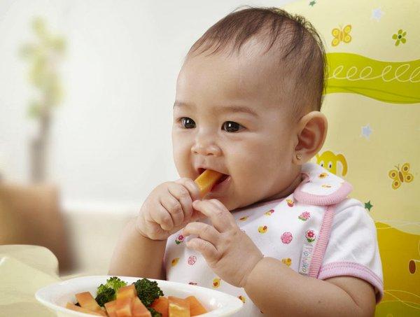 Bé 7 tháng tuổi nặng bao nhiêu kg là đạt chuẩn mẹ biết chưa?