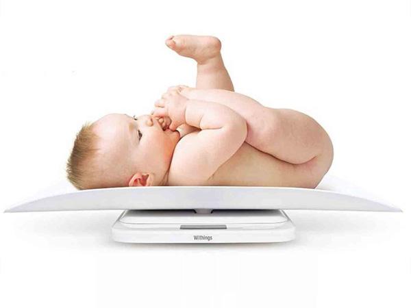 Trẻ sơ sinh 1 tháng tuổi: Ăn thế nào - Ngủ ra sao?