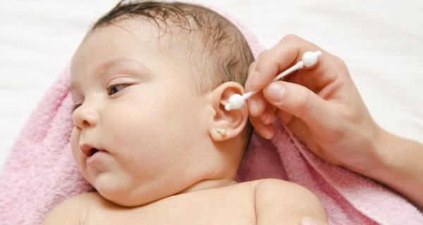 Lấy ráy tai cho bé, chuyện nhỏ mà không nhỏ mẹ cần quan tâm!