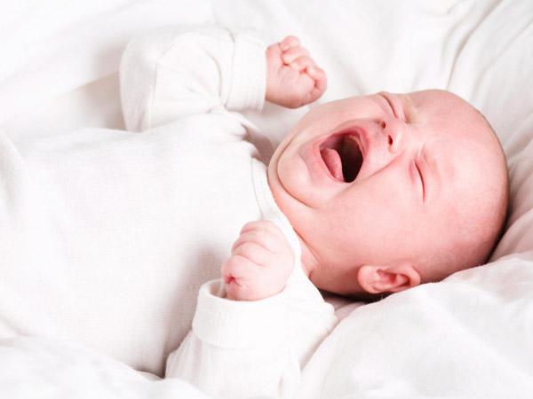 """""""Bắt mạch"""" tình trạng trẻ ngủ không ngon giấc hay quấy khóc"""